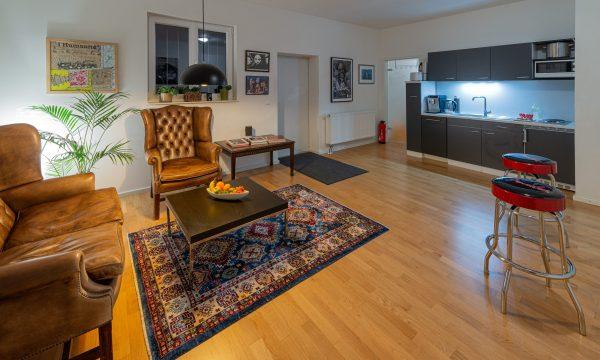 Küche und Lounge